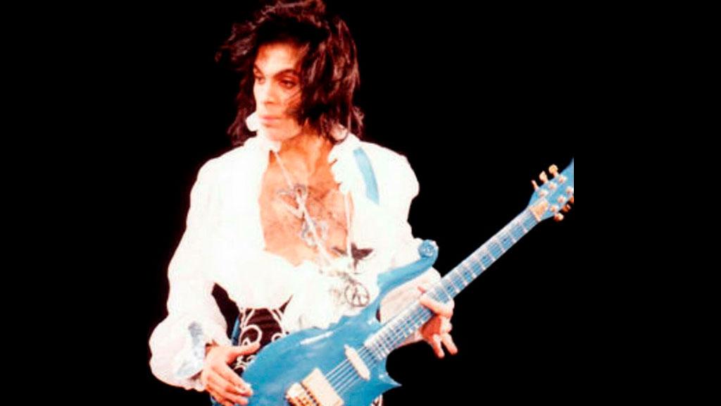 Релиз воздушной гитары «Unplugged: Air Guitar», Cloud Guitar Принса на аукционе и другие новости мира музыки