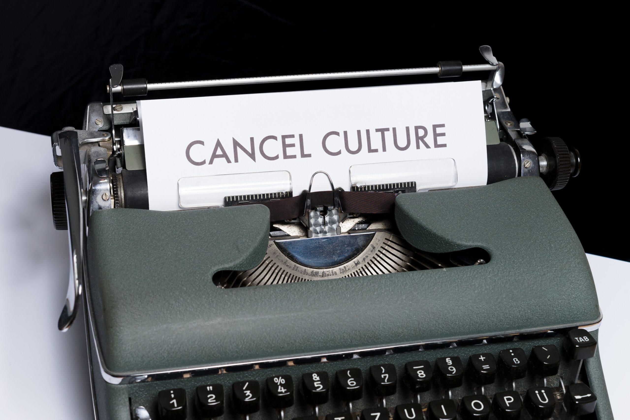 Охрана, отмена: что такое cancel culture и как она влияет на искусство