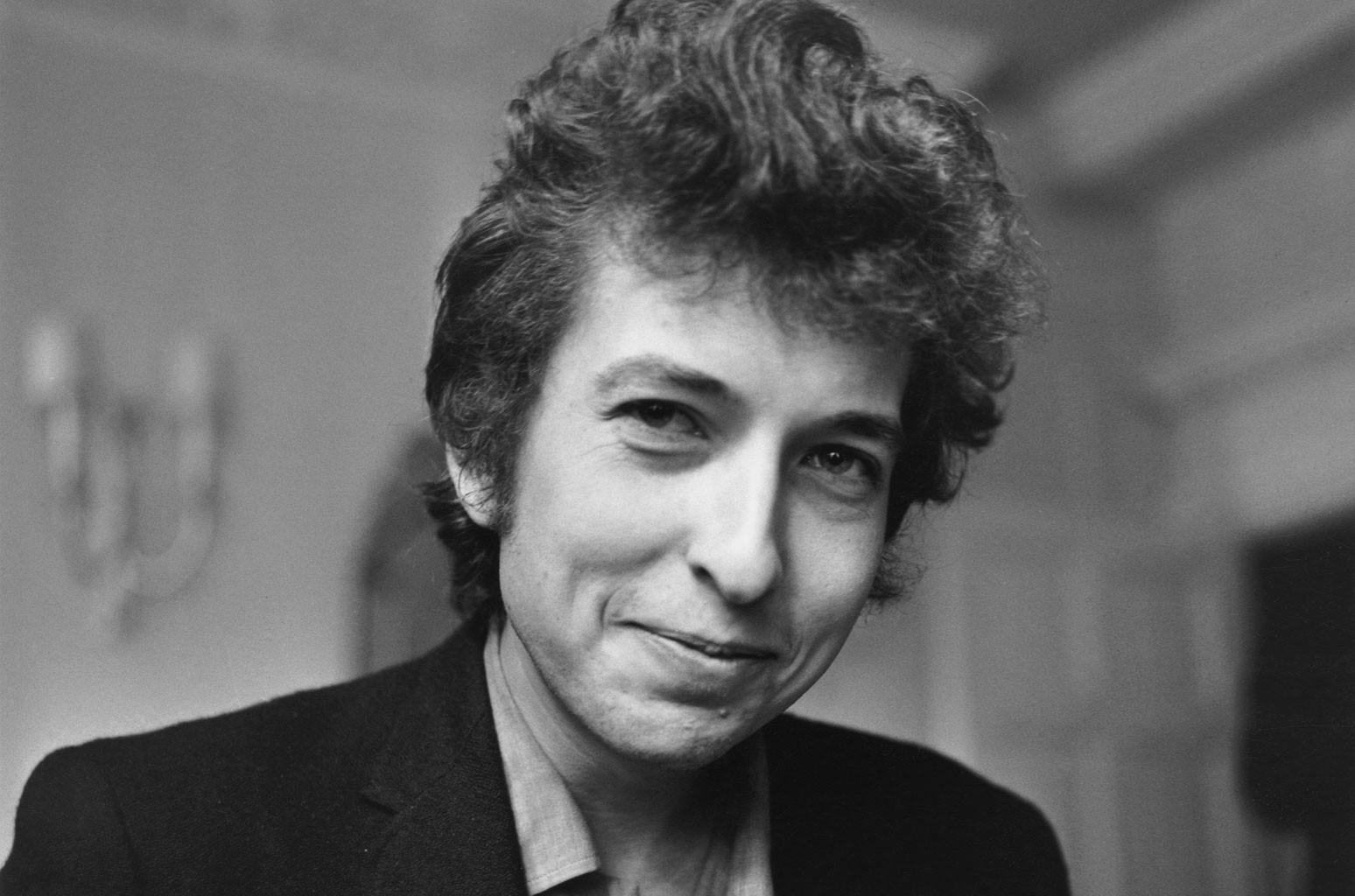 Боба Дилана обвинили в сексуальном насилии несовершеннолетней